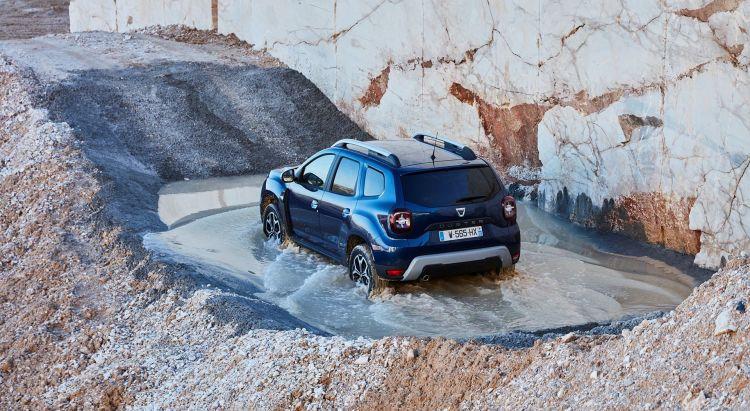 Dacia Duster 2019 Azul 4x4 Trasera