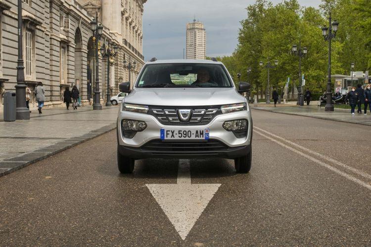 Dacia Spring 2021 0421 Front White 042