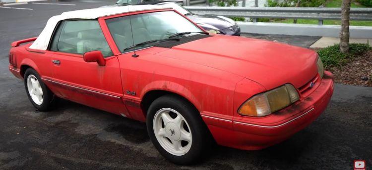 Detallado Ford Mustang Abandonado