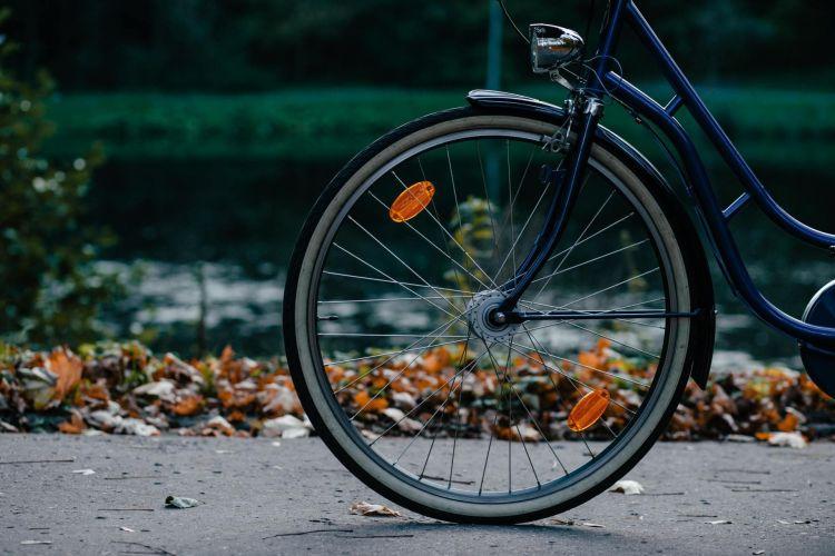 Dgt Alumbrado Ciclistas Obligatorio 02