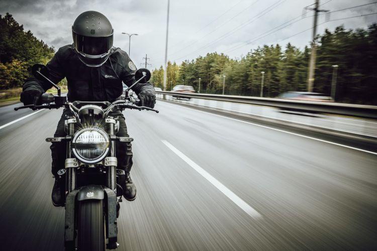 Dgt Infracciones Sanciones Comunes Motos Husqvarna Svertpilen 250 2020