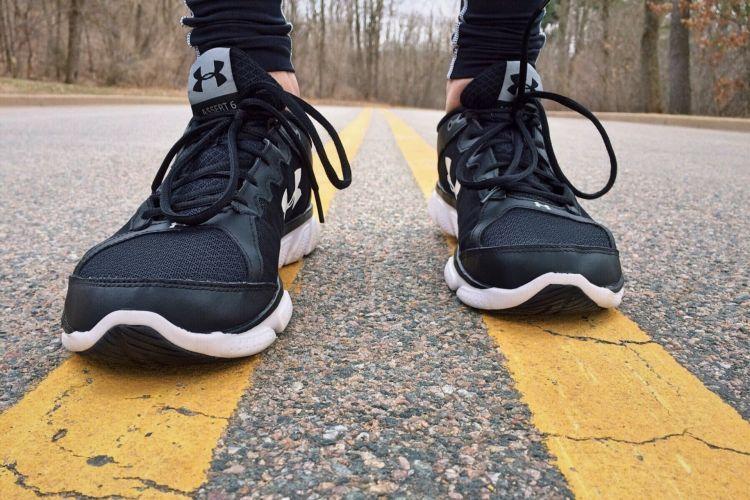 Dgt Normas Peatones Runner Zapatillas Carretera