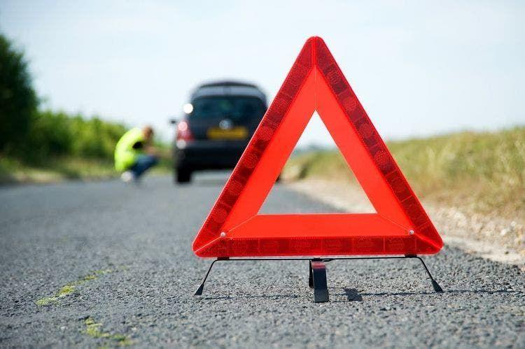 Dgt Normativa Objetos Llevar Obligatorio Multa Triangulo Emergencia
