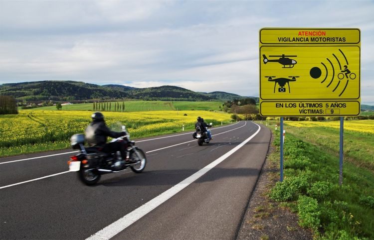 Dgt Nueva Senal Vigilancia Motoristas Carretera
