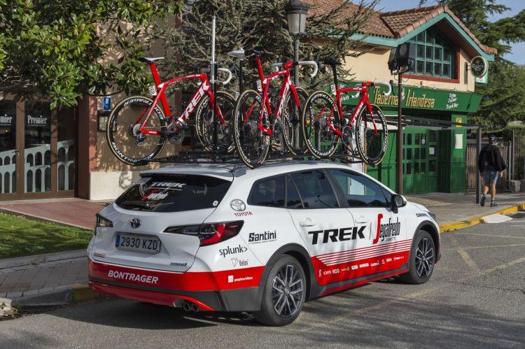 Dgt Pregunta Sobresalir Carga Toyota Corolla Vuelta Ciclista