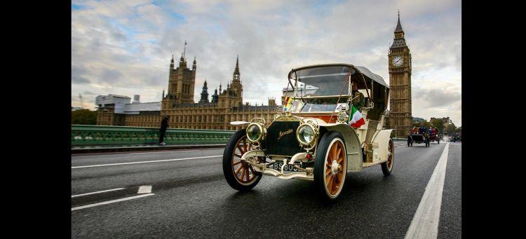Diesel Gasolina 2035 Clasico Mercedes Londres