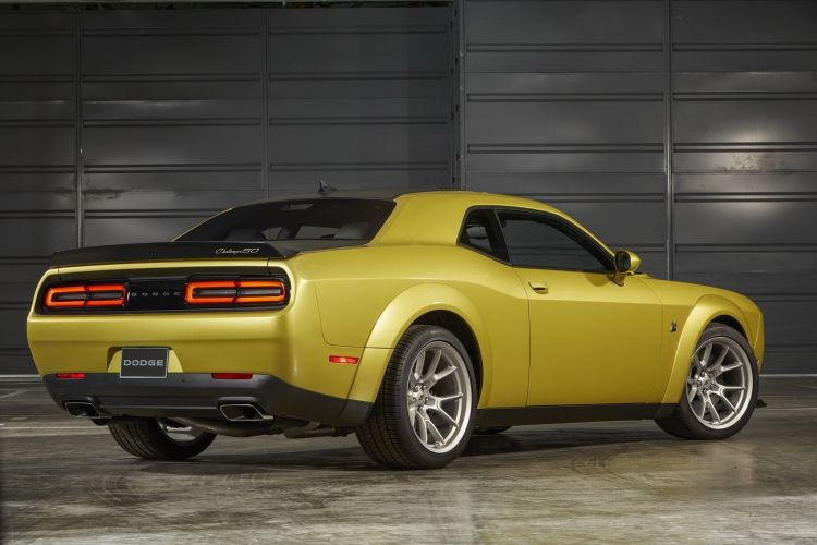 Dodge Challenger 50 Aniversario 4