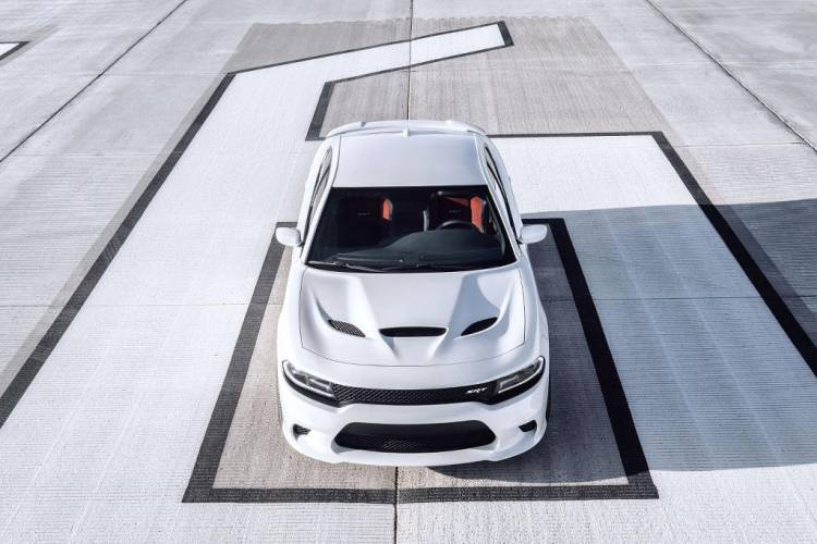 Dodge Charger SRT Hellcat: 717 caballos de descarado músculo americano