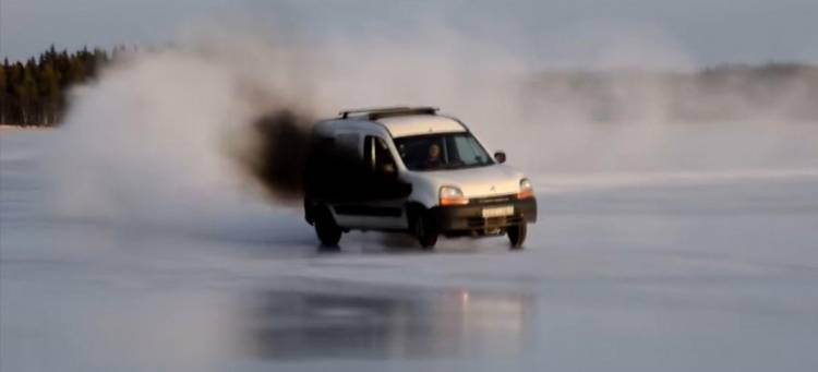 drifting-kangoo-hielo
