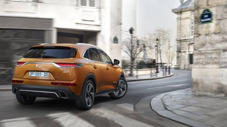 ds-7-crossback-2017-12