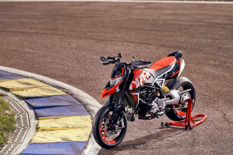Ducati Hypermotard 950 Rve Ambience 02 Uc169747 High