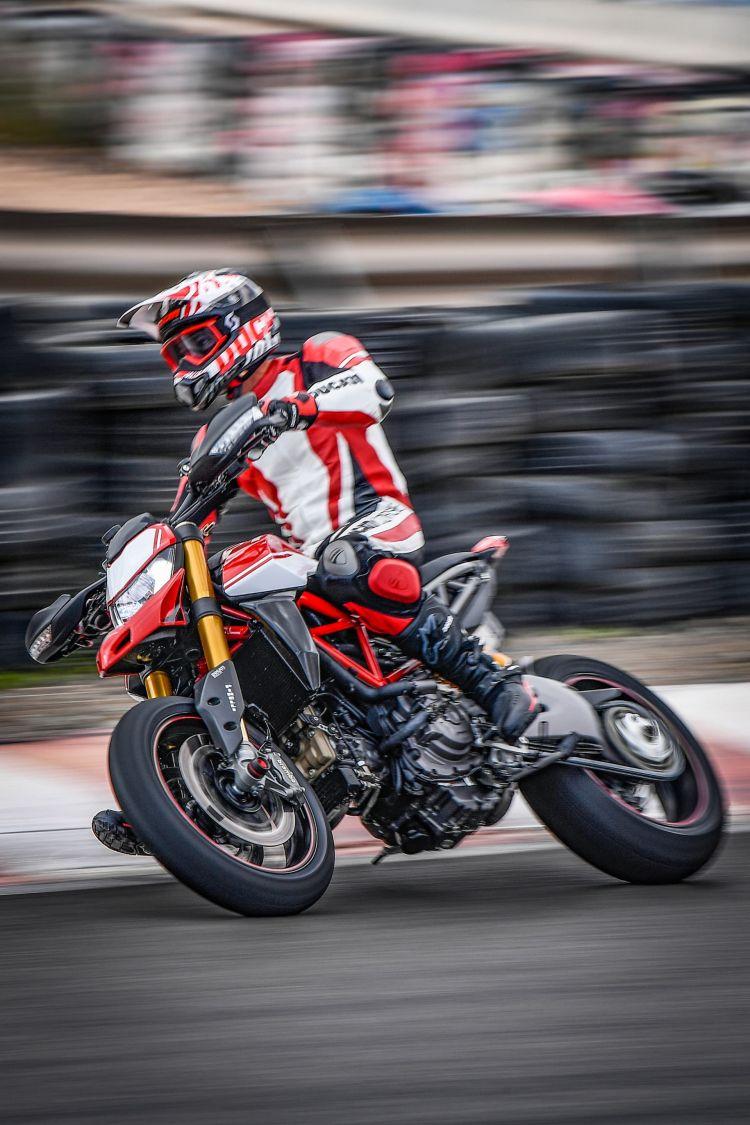 Ducati Hypermotard 950 Sp Performance 04 Uc70332 Mid