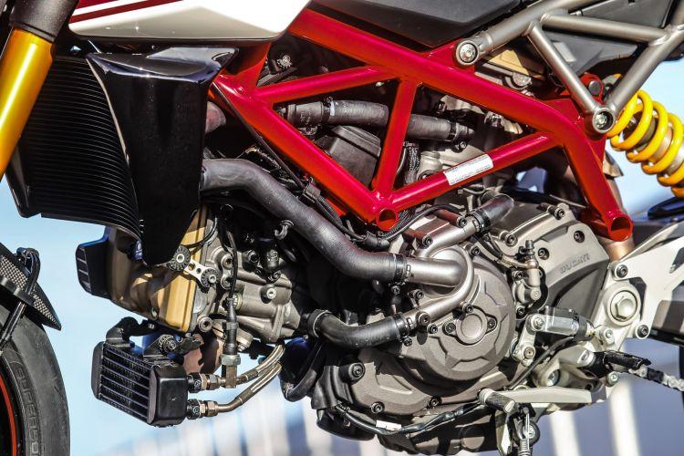 Ducati Hypermotard 950 Sp Static 30 Uc70330 Mid