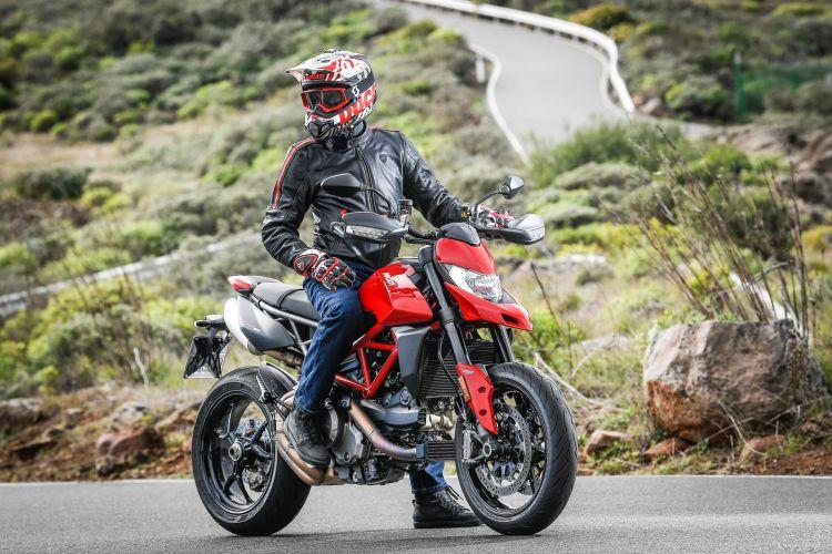 Ducati Hypermotard 950 Static 06 Uc70270 Mid