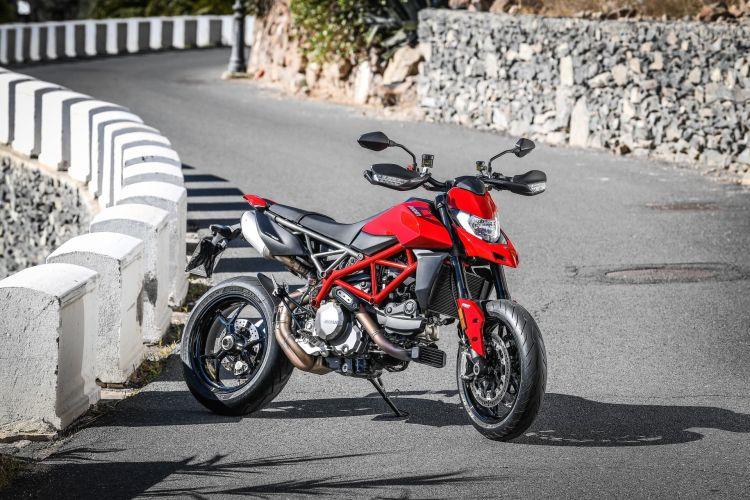 Ducati Hypermotard 950 Static 10 Uc70273 Mid