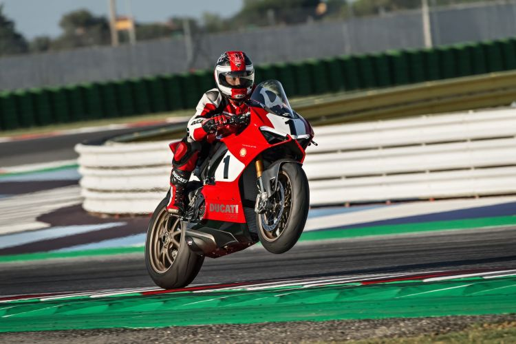 Ducati Panigale V4 03 Panigale V4 25 Anniversario 916 Action Uc77820 High