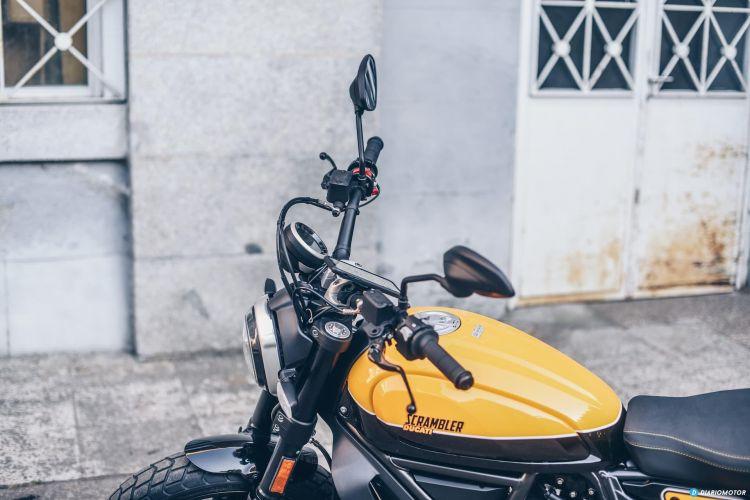 Ducati Scramber Quadlock Telefono Movil 6