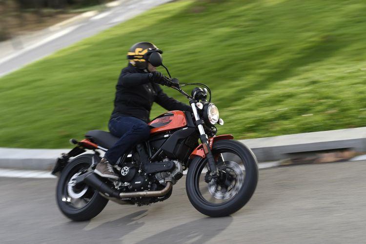 Ducati Scrambler Sixty2 G105330 Uc37087 High