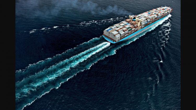 Eficiencia Gasolina Diesel Barco Maersk
