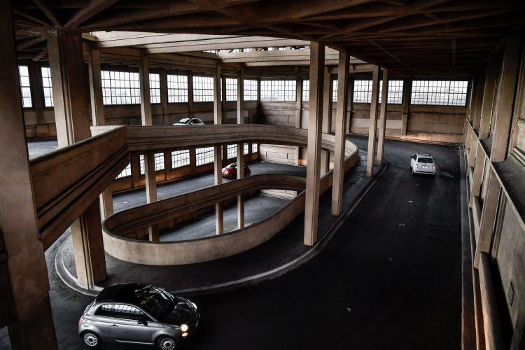 Fabrica Fiat Edificio Lingotto 500 Rampa Interior