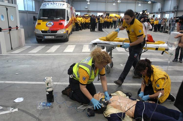 facilitar-el-paso-a-ambulancias-2