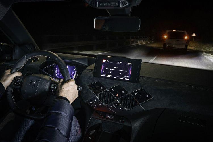 Faros Conduccion Noche Carretera Ds3 1