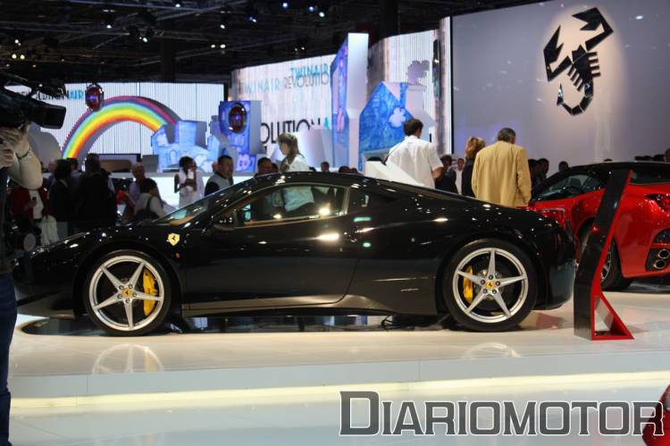ferrari-458-italia-salon-paris-1