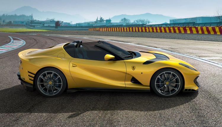 Ferrari 812 Competizione 2021 0521 001