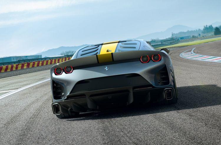 Ferrari 812 Competizione 2021 0521 012