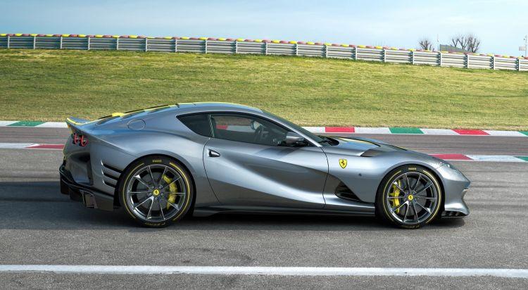 Ferrari 812 Competizione 2021 0521 013