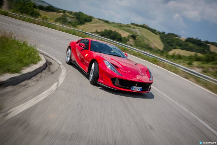 Ferrari 812 Superfast Exterior 00013