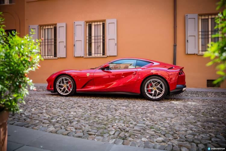 Ferrari 812 Superfast Exterior  00040