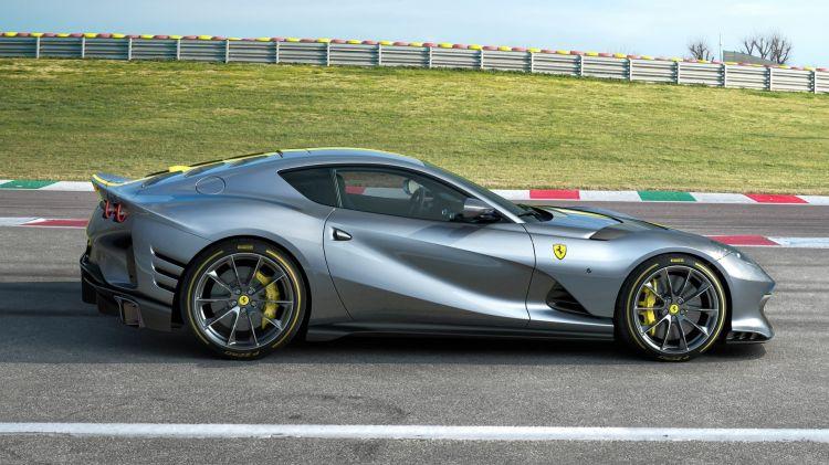 Ferrari 812 Vs 2021 004