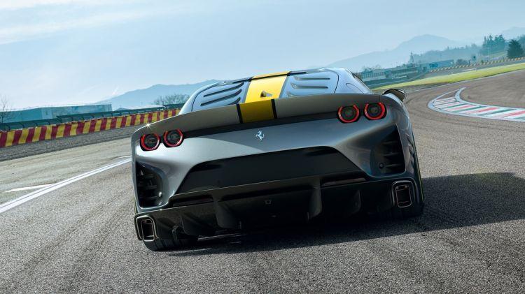 Ferrari 812 Vs 2021 005