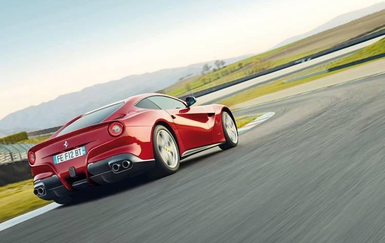 ferrari-f12-berlinetta-video-01-1440px