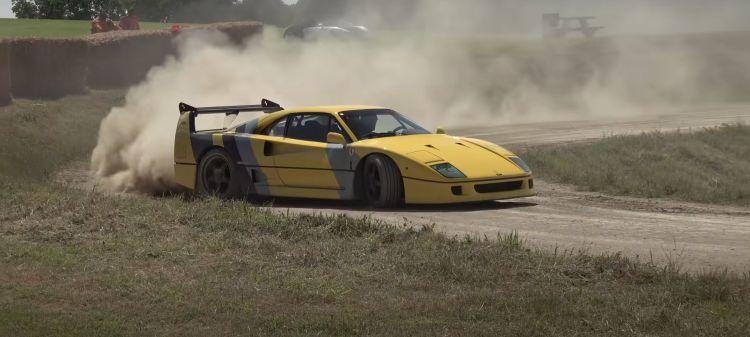 Ferrari F40 Derrapes