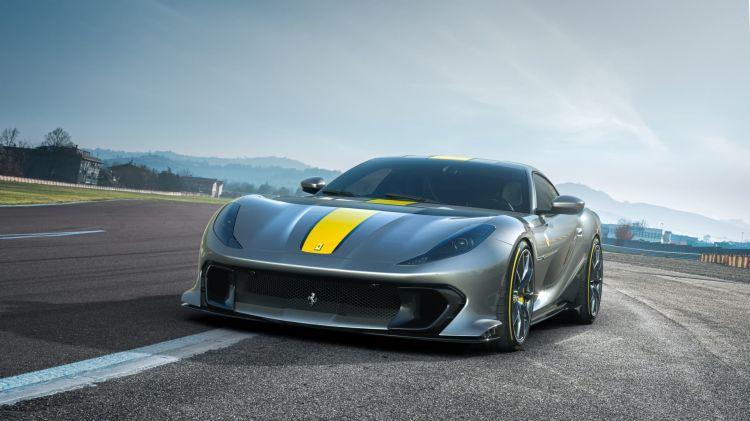 Ferrari Lamborghini Moratoria Europa 2035 812 Superfast V12
