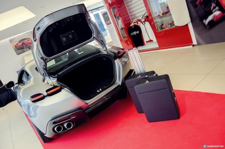 Ferrari Roma Presentacion Cds Dcd 0820 022