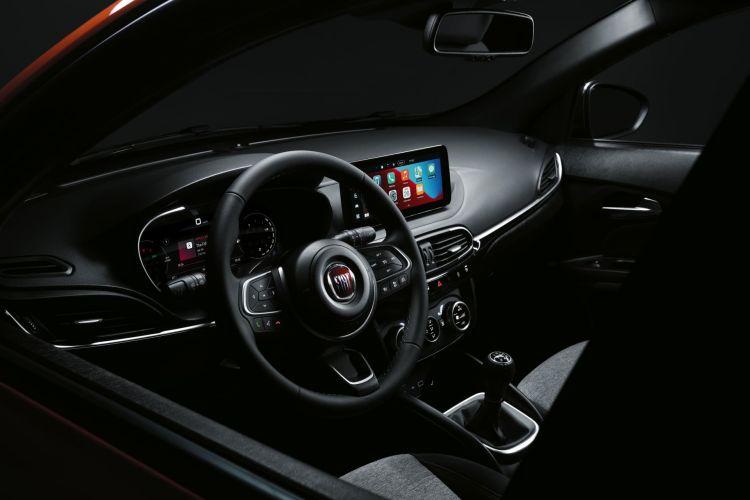 Fiat Tipo Cross 2021 07