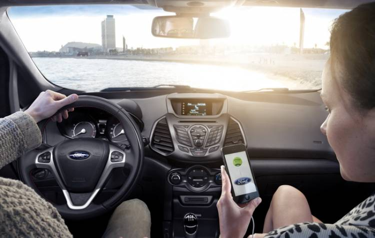 Ford AppLink 2.0: más y mejor compatibilidad entre smarpthone y Ford SYNC