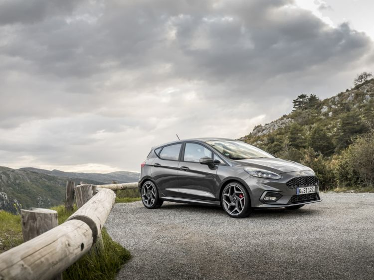 Ford Fiesta Oferta Junio2021 06 Exterior
