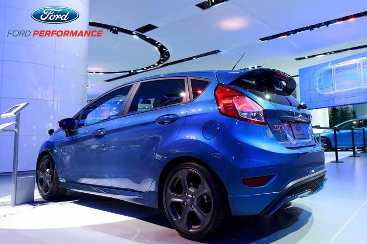 ford-fiesta-st-liquid-blue-12