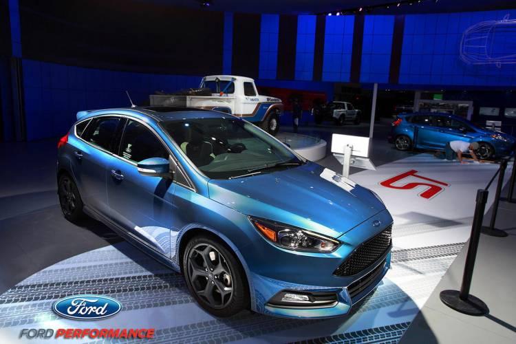 ford-fiesta-st-liquid-blue-13