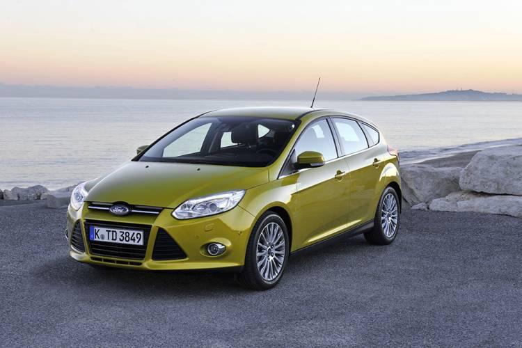 ford-focus-5puertas-2012-1