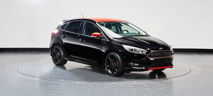 ford-focus-black-red-edition-2016-07