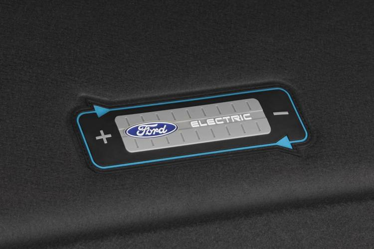 ford-focus-electric-2016-04