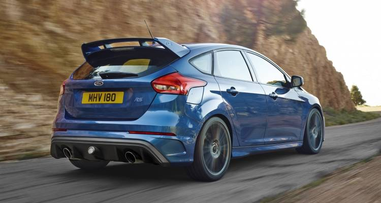 ford-focus-rs-130315-01