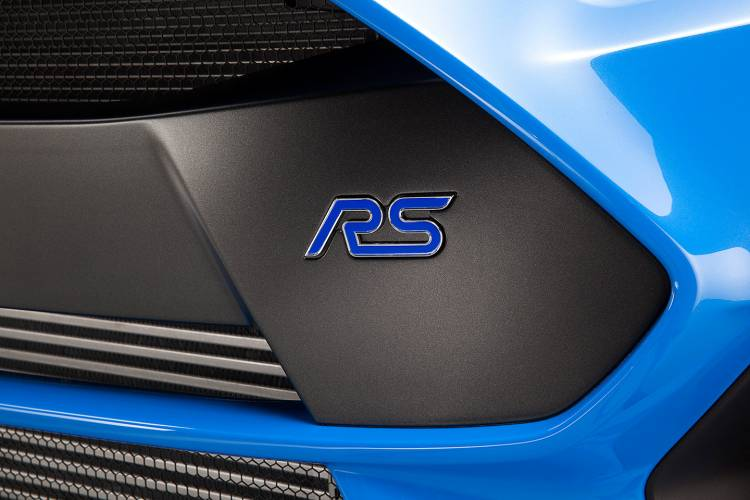 ford-focus-rs-2015-azul-02-1440px