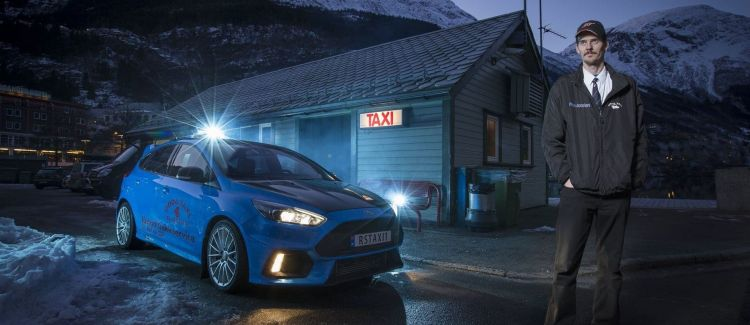 ford-focus-rs-taxi-p