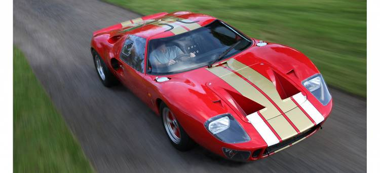 ford-gt-40-superformance-01